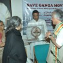 Smt Rama Rauta felicitating Shri Jai Ram Ramesh, Hon'ble Minister, MoEF. at SGM meeting on 12th March, 2010 at Gandhi Darsan, New Delhi